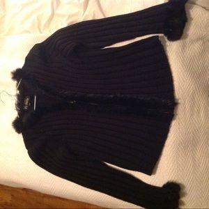 Black vest with real fur
